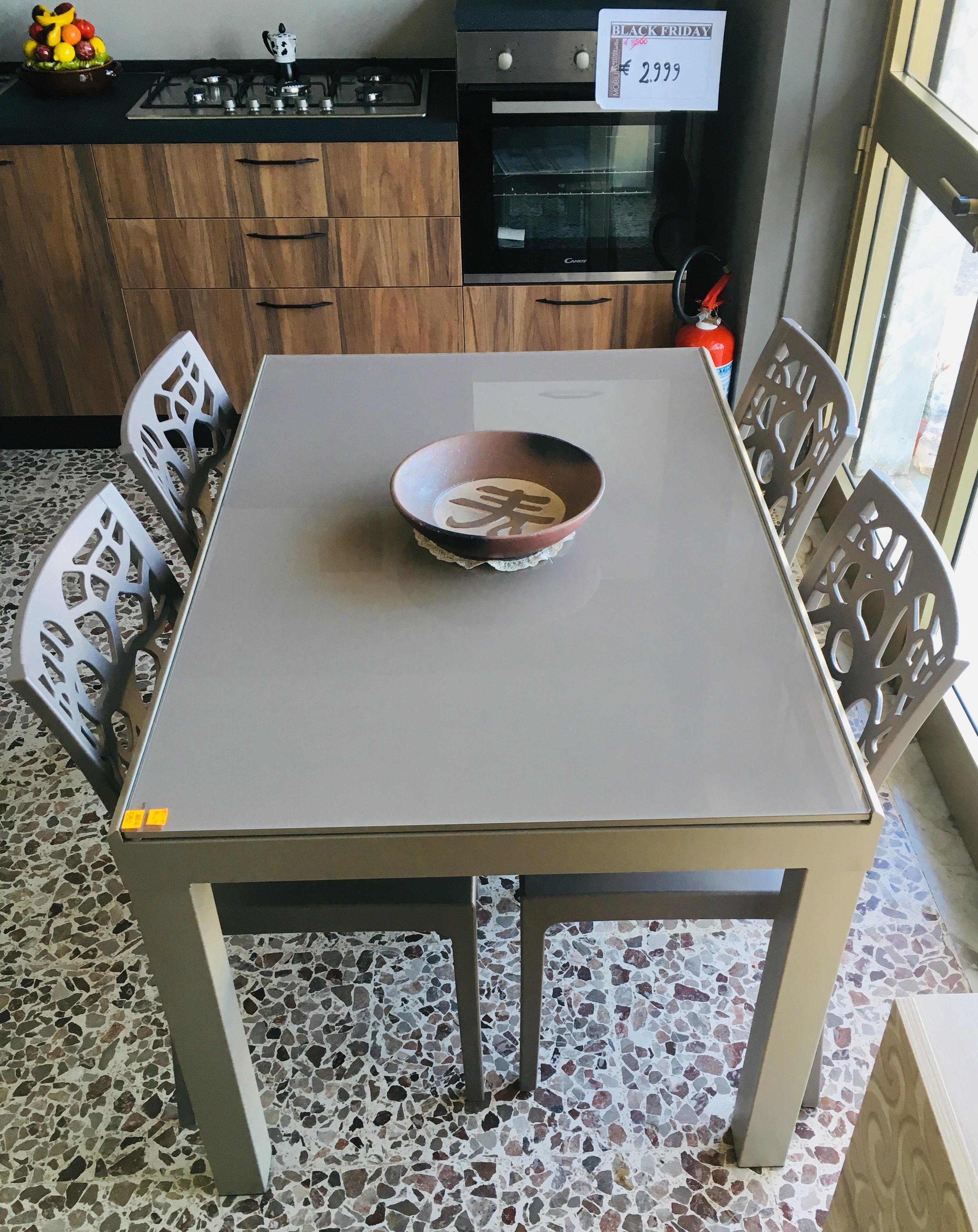 Tavoli e Sedie selezione by Patrizia Romaniello Mobili