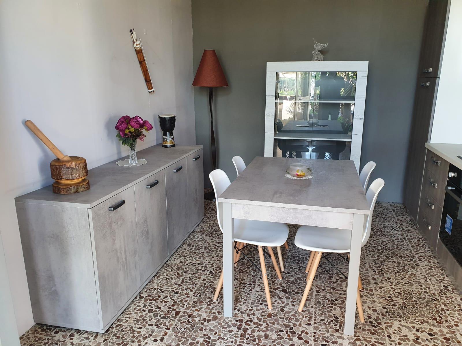 Tavoli e Sedie selezione by Patrizia Romaniello Mobili Battipaglia